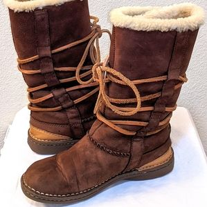 UGG Australia Catalina Lace Up Leather Boots  1634